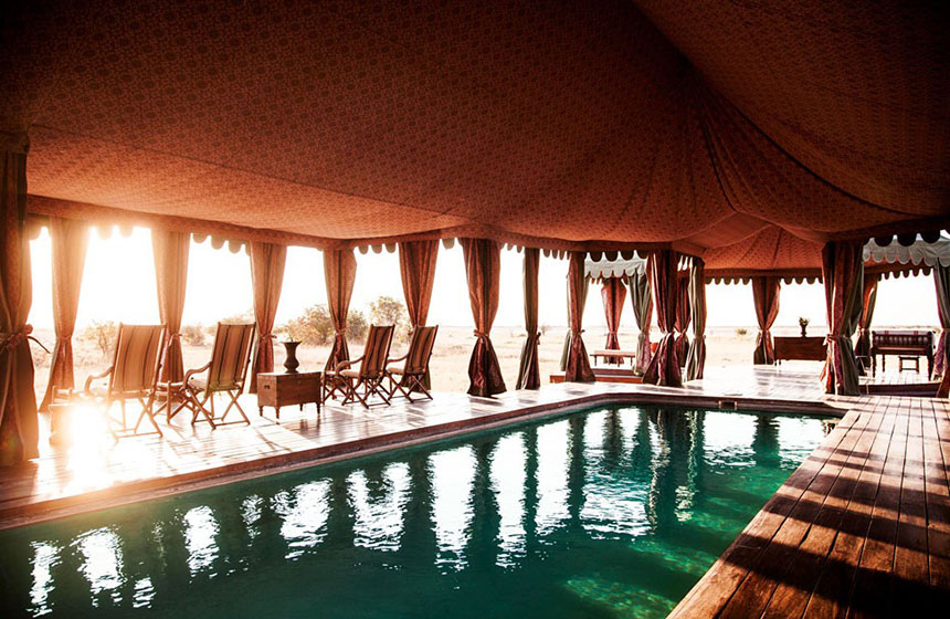 Private outdoors pool, Botswana tour